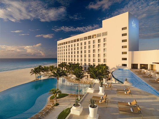 Le Blanc Spa Resort Cancun – Classy Luxury Done Perfectly
