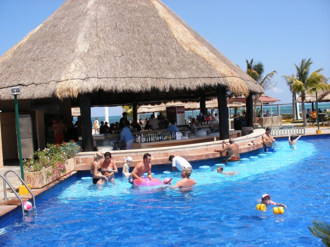 Moon Palace Cancun Swim up Bar
